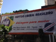 Outdoor do partido chegou a ser espalhado pelo Rio de Janeiro.